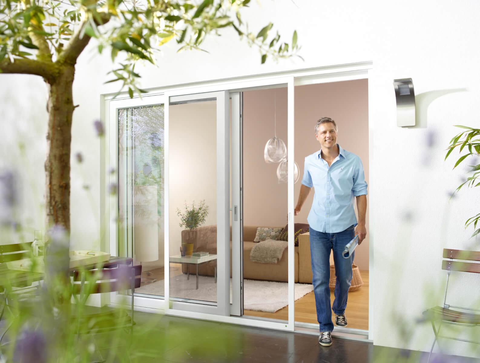 fliegengitter insektenschutz f r fenster t ren dachfenster. Black Bedroom Furniture Sets. Home Design Ideas