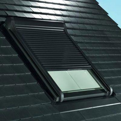 Roto Dachfenster mit Außenrolladen
